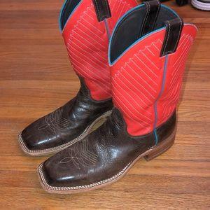 Men's justin boots 9D.